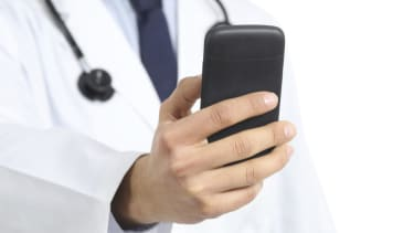 Seattle doctor suspended for allegedly sending sexts — during surgery