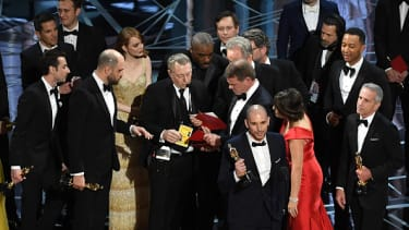 Confusion abounds onstage at the 2017 Academy Awards.
