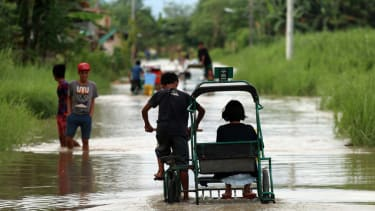 Typhoon kills 38 in the Philippines before aiming for China