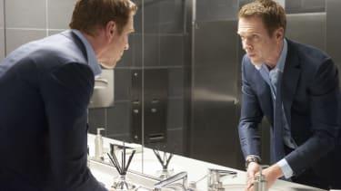 """Damian Lewis as Bobby """"Axe"""" Axelrod in Billions (Season 1, Episode 1)."""