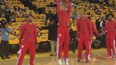 Clippers wear warmup clothes inside-out to protest owner's racist remarks