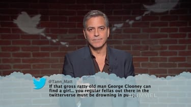 George Clooney and other stars read Oscar-themed mean tweets