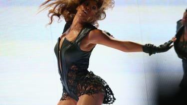 Beyonce proves the science behind the sexiest dance moves.
