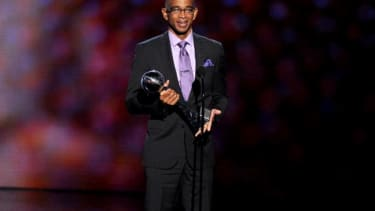 Watch Stuart Scott's touching speech about battling cancer: 'When you die, it does not mean that you lose'
