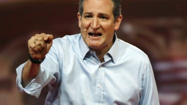 Ted Cruz questions the Fed's monetary policy.