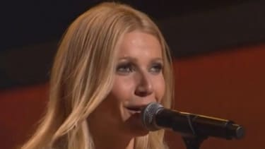 """Gwyneth Paltrow sings a song from her upcoming film """"Country Strong"""" for which she gained (and recently lost) 20 pounds."""