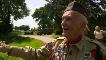 WWII vet dies just days after celebrating D-Day anniversary in Normandy