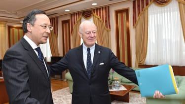 The United Nations' peace envoy for Syria, Staffan de Mistura, meets with Kazakh Foreign Minister Kairat Abdrakhmanov in Astana on January 22.