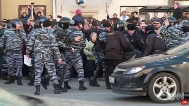 Police in Moscow crack down on protest