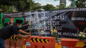 Shrine to victims of Indonesian submarine sinking.