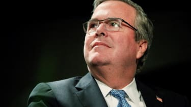 Jeb Bush says he's 'actively exploring' 2016 presidential run in typo-ridden Facebook post
