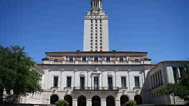 Texas will allow concealed handguns on university campuses in 2016