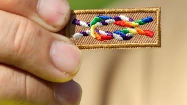 Boy Scouts end gay leadership ban
