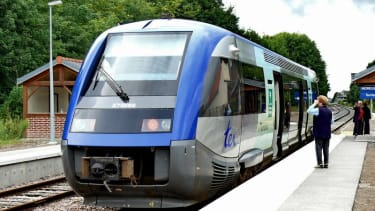 France's 2,000 new trains are too fat for its stations