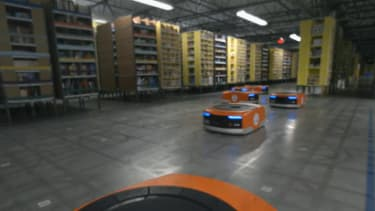 Amazon will ship your holiday gifts with the help of a robot army