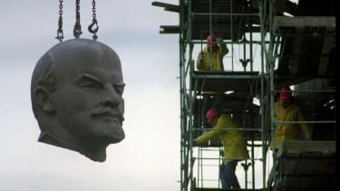 Giant Lenin head reported missing in Berlin