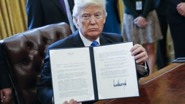 President Trump signs executive orders about oil pipelines