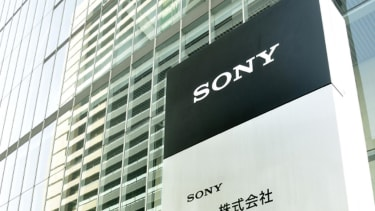 Hackers send Sony employees threatening new email