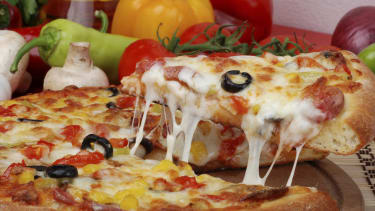 Here's why mozzarella is the best pizza cheese, according to science