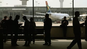 Don't count on those 'enhanced' airport security screenings for Ebola