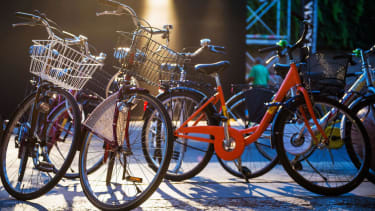 France is paying people to bike to work