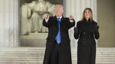 Donald and Melania Trump in front of the Lincoln Memorial