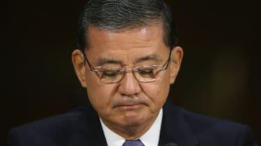 Vulnerable Democratic senators call for Shinseki to leave the VA
