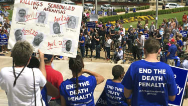 Death penalty protesters in Arkansas