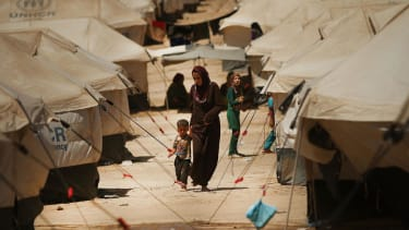 Obama considers air strikes to help Yazidi Iraqis trapped by ISIS