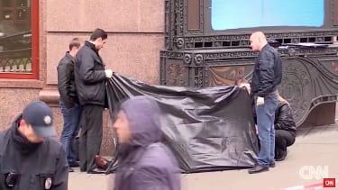 Putin critic is dead on the streets of Kiev