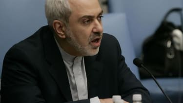 Iran offers to help defeat ISIS — if the U.S. lifts nuclear sanctions