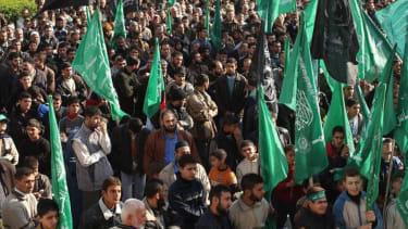 EU takes Hamas off list of terrorist groups