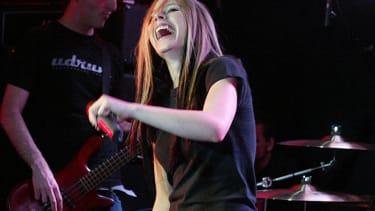 Avril Lavigne laughs off racism claims