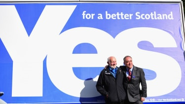 Scotland's pro-independence camp narrows gap in the polls