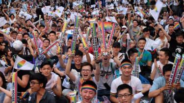 Taiwan celebrates same-sex marriage ruling