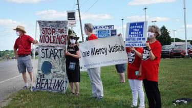 Anti-capital punishment protesters in Terre Haute, Indiana