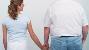 New research suggests that one key to a happy marriage is whether the wife is thinner than her husband.