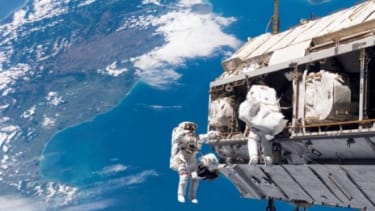 This job isn't easy to get: To even be considered, astronaut applicants need 1,000 hours of experience piloting a jet, must be in peak physical condition, and can't be too short, or too tall.