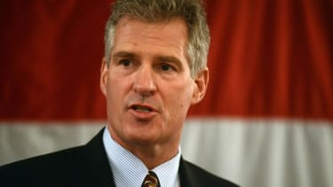 Scott Brown gave a 'hero' award to a woman who may not vote for him