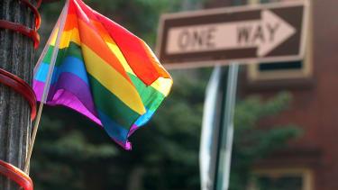 Judge strikes down Texas' gay-marriage ban