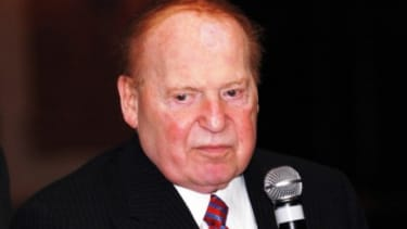 Sheldon Adelson in 2005: The casino tycoon and his wife, who have given $10 million to a pro-Gingrich super PAC, are being aggressively wooed by Team Romney.