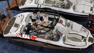 The Miami International Boat Show: Americans begin to loosen their belts.