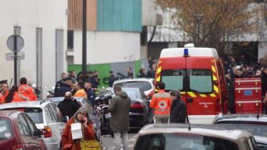 Charlie Hebdo cartoonist details encountering attackers at front door of building