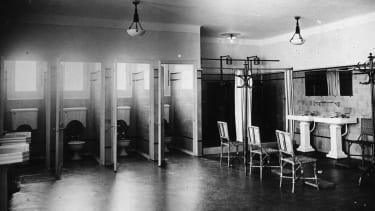 A public women's room circa 1950.