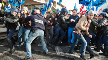 French pension-law protesters clash with police at Charles De Gaulle Airport