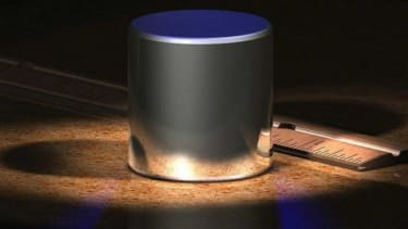 Do these dust particles make me look fat: A computer-generated image of the International Prototype kilogram.