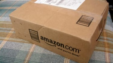 Online retail giant Amazon is reportedly planning to open a high-end, Apple-like store in Seattle to show off its growing line of Kindle products and accessories.