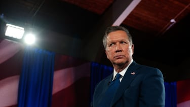 John kasich goes to Bronx deli, wants his own sandwich named after him.
