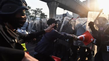 Protesters clash with police in Bangkok