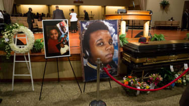 Michael Brown autopsy suggests he was shot at close range